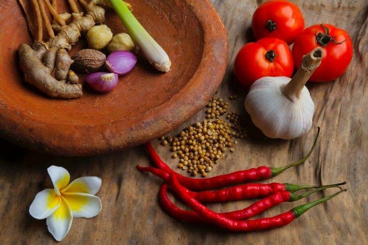 Biar Makan Siang Makin 'Hot' Ini Resep Sambal Khas Indonesia