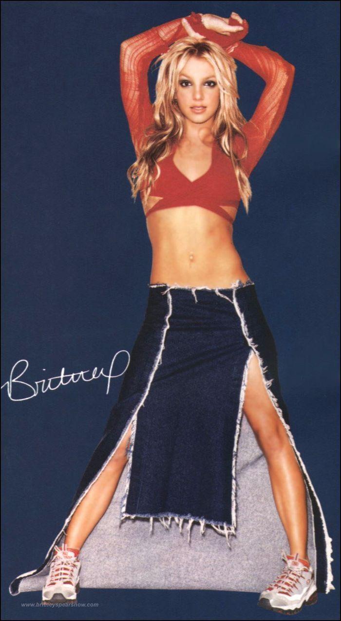 Gaya Seksi Britney Spears yang Booming di Era 90an
