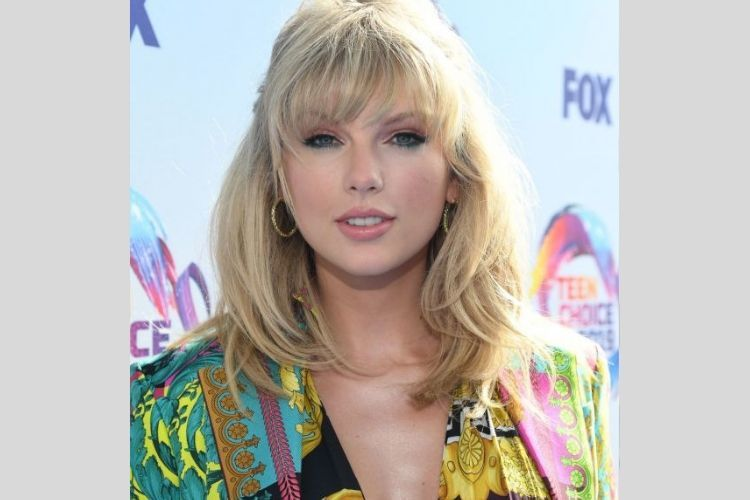 7 Gaya Makeup Seleb Hollywood yang Hadir di Teen Choice Awards 2019