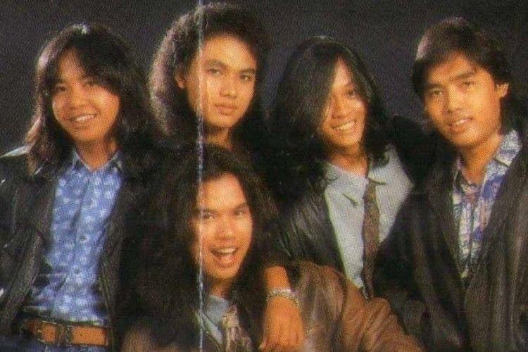10 Foto Perbandingan Penampilan Grup Band '90-an dan Sekarang