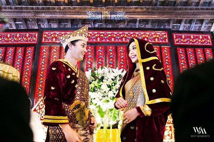 10 Inspirasi Konsep Pernikahan Tradisional Seleb yang Penuh Makna