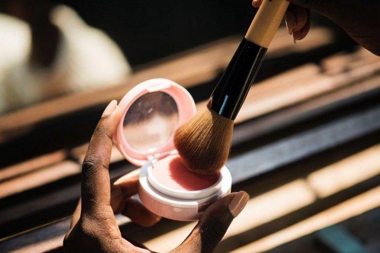 Bikin Pipi Merona, Ini 7 Rekomendasi Blush On Lokal yang Bisa Dicoba