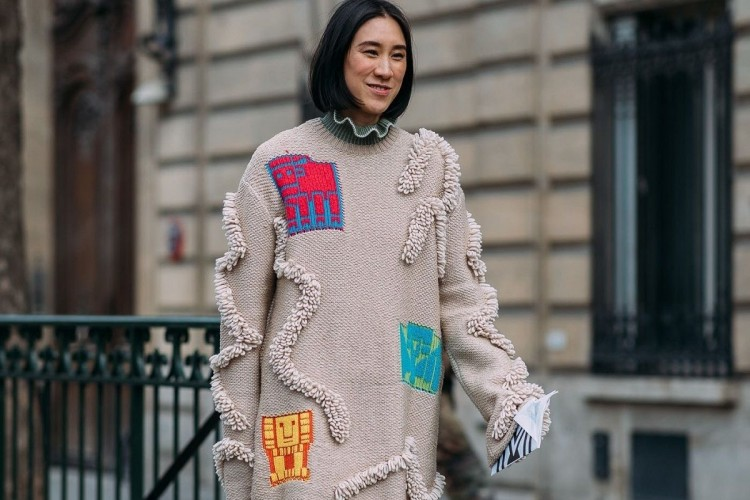 #PopbelaOOTD: Curi Perhatian Lewat Statement Sweater Ini
