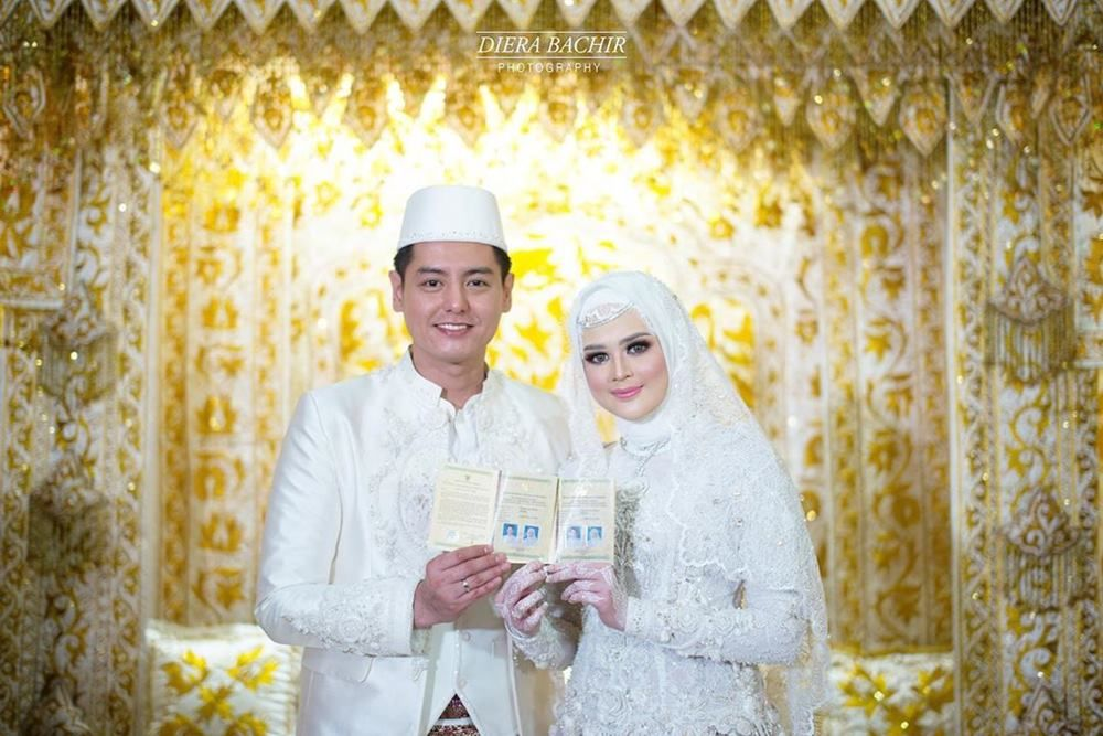 Foto Pernikahan Cut Meyriska - Roger Danuarta yang Bikin Netizen Kagum