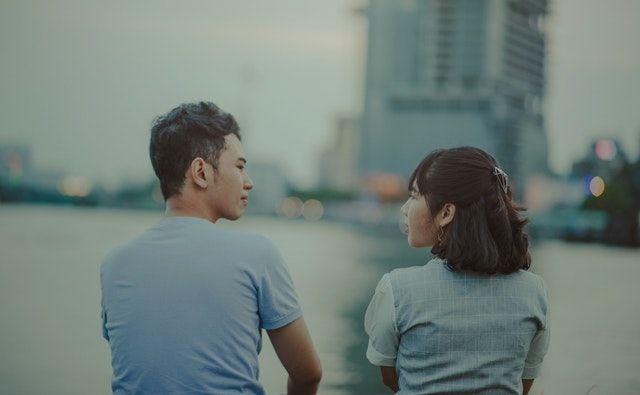 Kenali Pasangan Lebih Dekat dengan 40 Pertanyaan 'Deep Talk' Ini