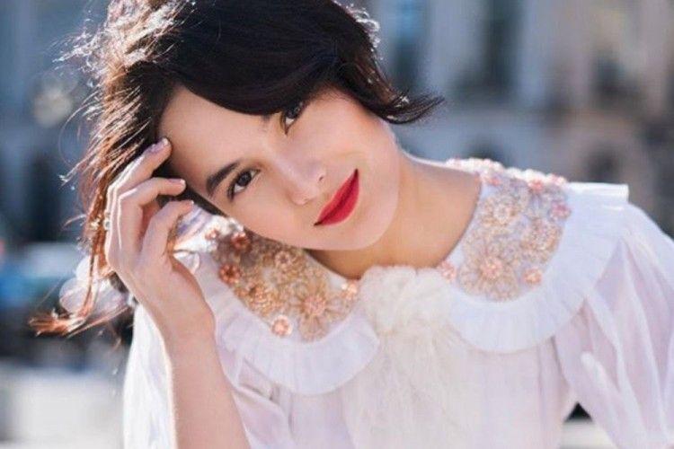 Memukau, 7 Artis Indonesia Ini Tampil Berani dengan Lipstik Merah