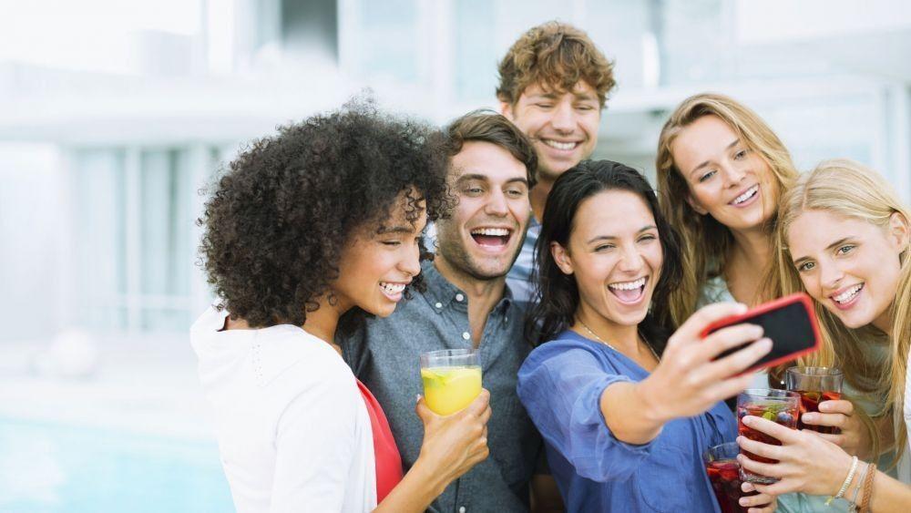 Topik Obrolan yang Boleh dan Tidak Boleh Dilontarkan pada Teman Lama
