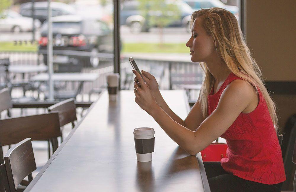 7 Kode Cowok Saat Chat kalau Dia Sebenarnya Nggak Tertarik Sama Kamu