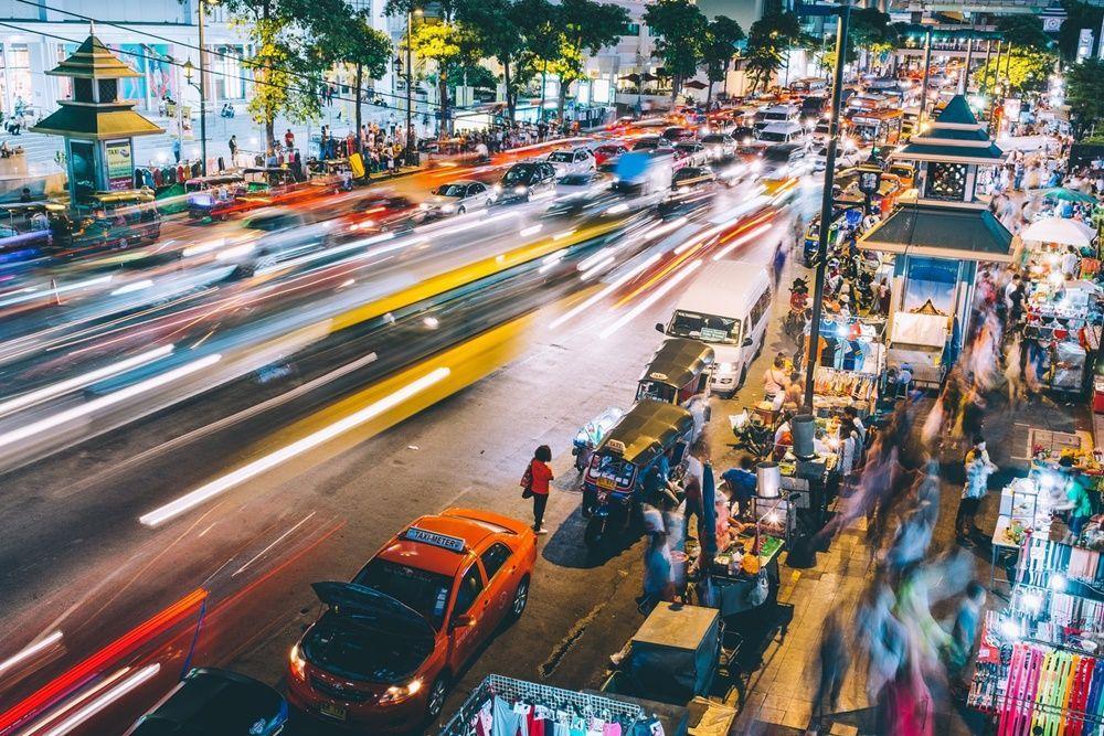 """Berlibur Ke Thailand, Menggunakan Taksi yang Sudah Terparkir di Pinggir Jalan thailand"""""""