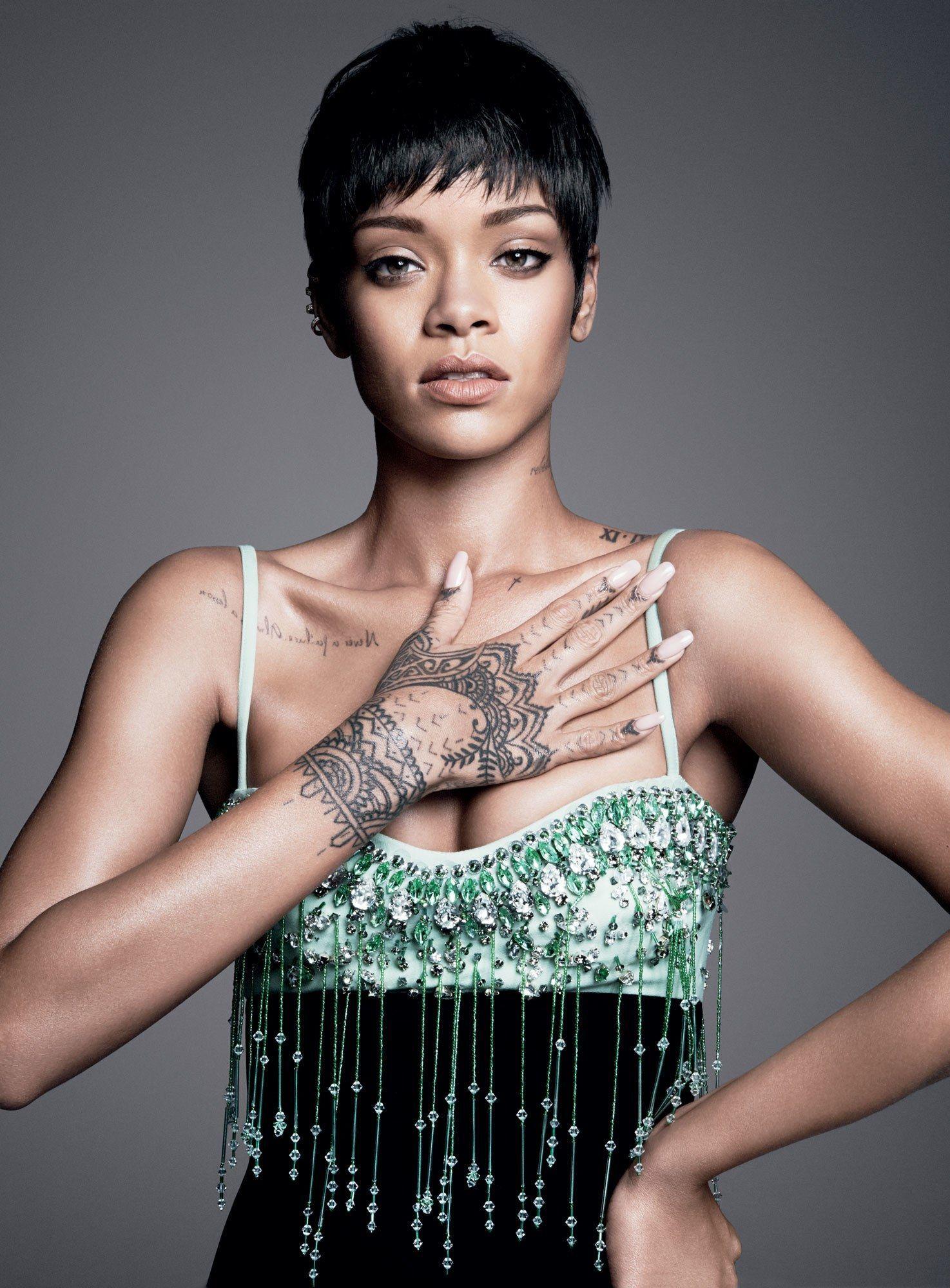 Megan Fox sampai Rihanna, Ini Artis dengan Tato Terseksi