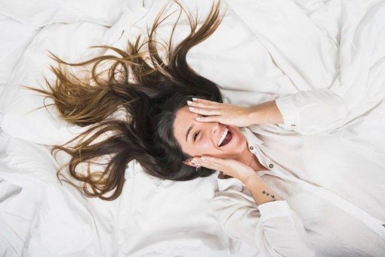 6 Cara Kurangi Sakit Saat Bercinta di Malam Pertama