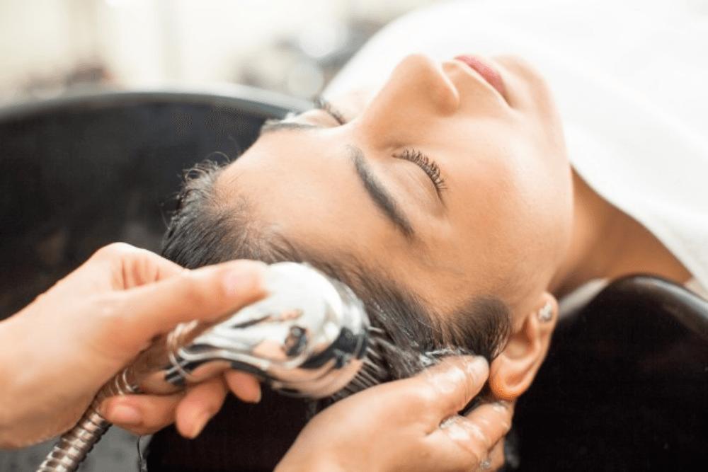Nggak Sulit, Ini 5 Cara Mudah Mengatasi Rambut Mengembang