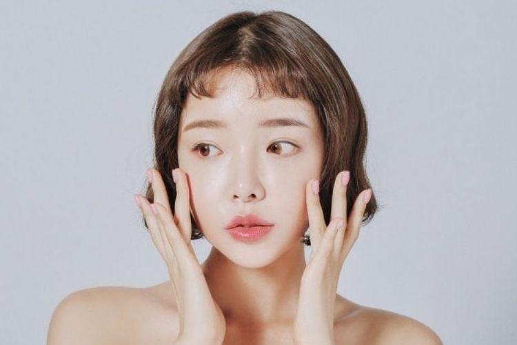 Dari Dewy Hingga Glass Skin, Ini Perbedaan Hasil Akhir Makeup Korea