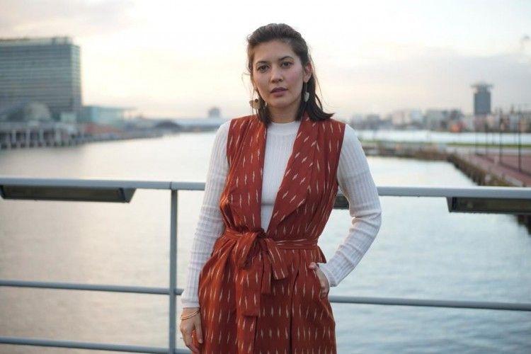 Kece dengan Tampilan Kasual, Ini Cara Hannah Al Rashid Padukan Busana