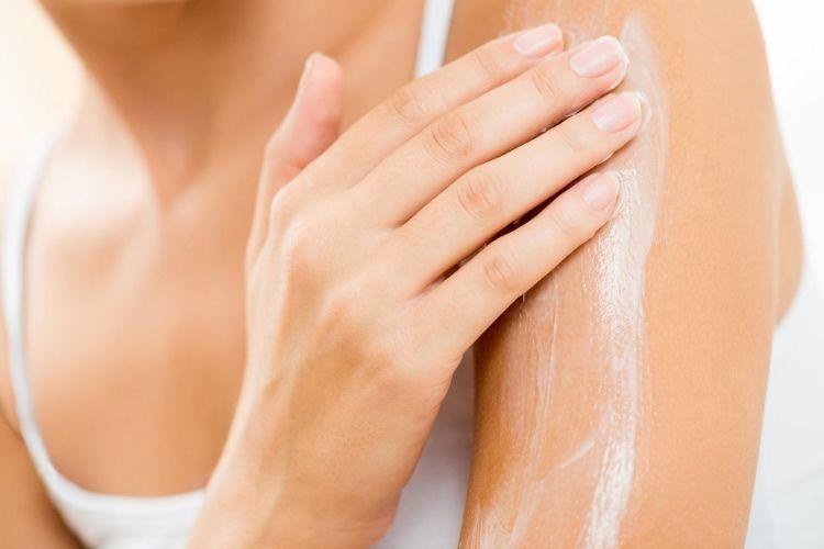Selain Pakai Parfum, Begini 6 Cara Membuat Tubuhmu Wangi Setiap Saat