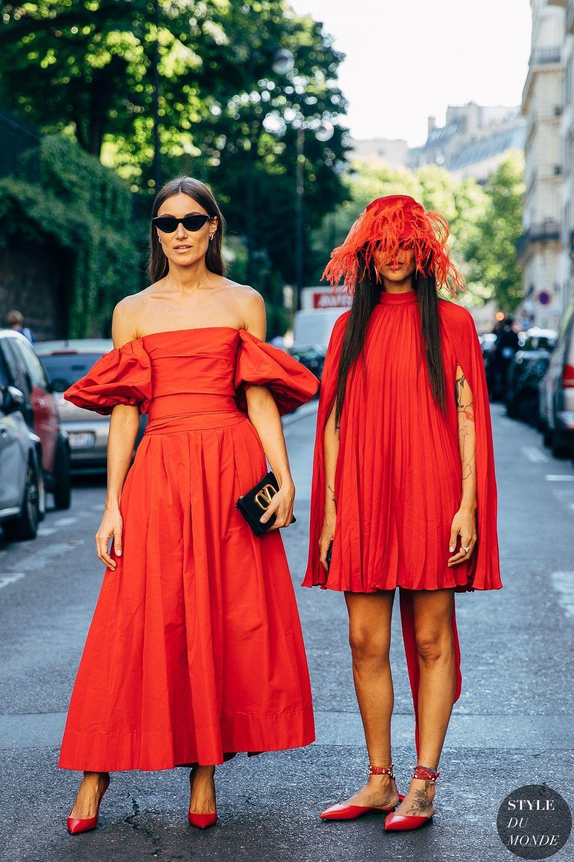 Kelebihan Mengenakan Busana Warna Merah yang Harus Kamu Tahu