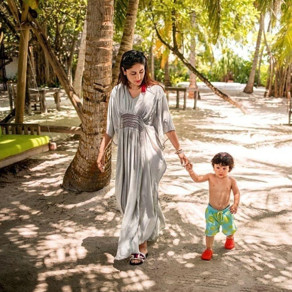 Pantai hingga Ketemu Salju, 10 Libruan Hits Keluarga Kareena Kapoor