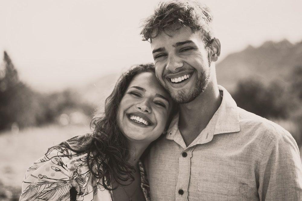 7 Tanda Pasanganmu Patut Dipertahankan hingga Maut Memisahkan