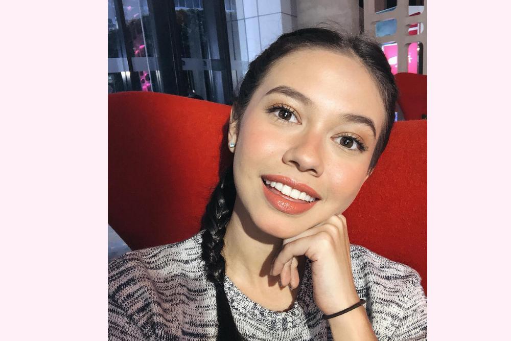 7 Inspirasi Makeup untuk First Date dari Para Seleb Indonesia