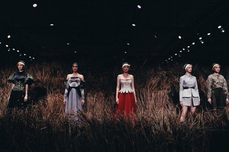 Review Fashion: Show Terbaik Desainer Indonesia Selama Seminggu Ini