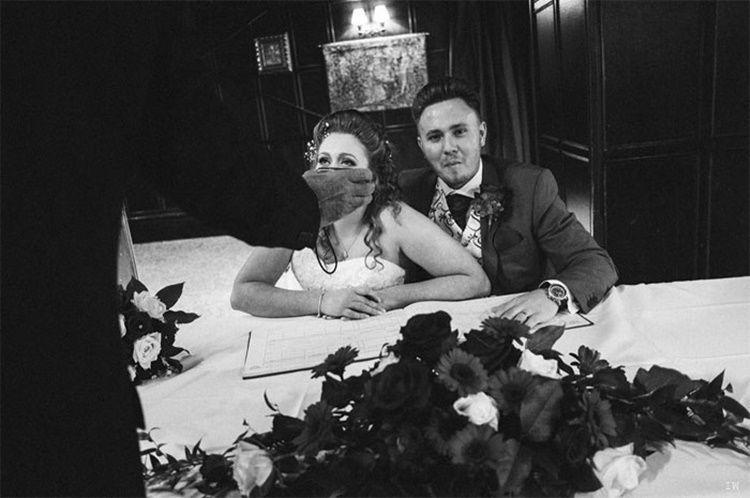 Kocak! 13 Foto Ini Tunjukkan 'Kekacauan' Pernikahan yang Bikin Tertawa