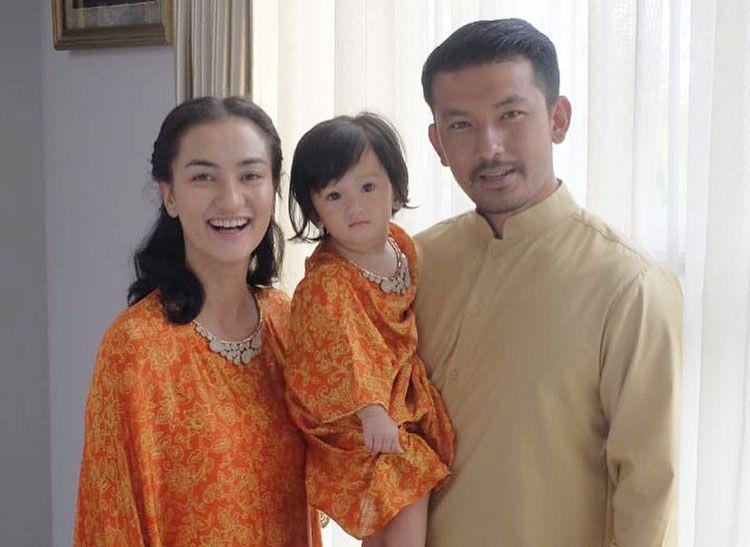 Cut Meyriska & 5 Artis yang Menikah dengan Pasangan Berdarah Tionghoa