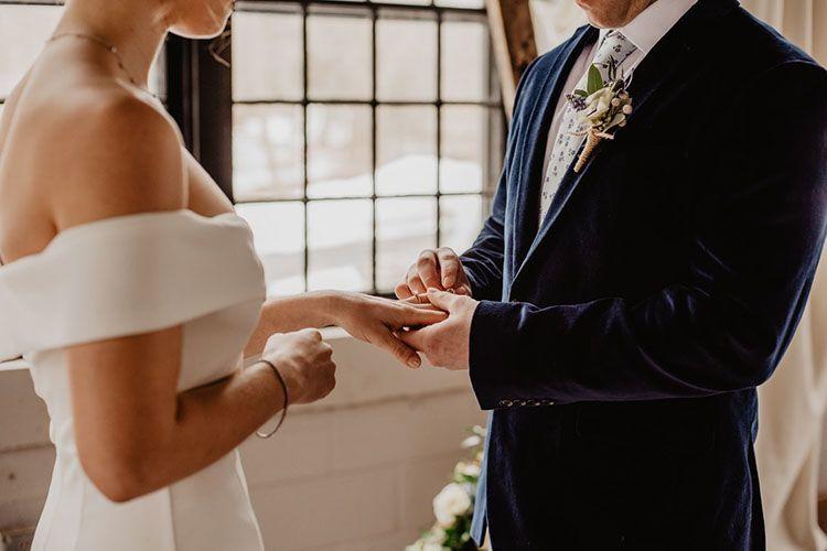 Manfaat Kartu Nikah dan Perbedaannya dengan Buku Nikah
