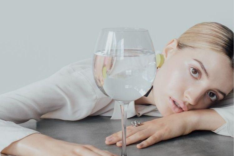 Minum Air Putih di Pagi Hari Itu Penting Banget Lho! Ini Alasannya