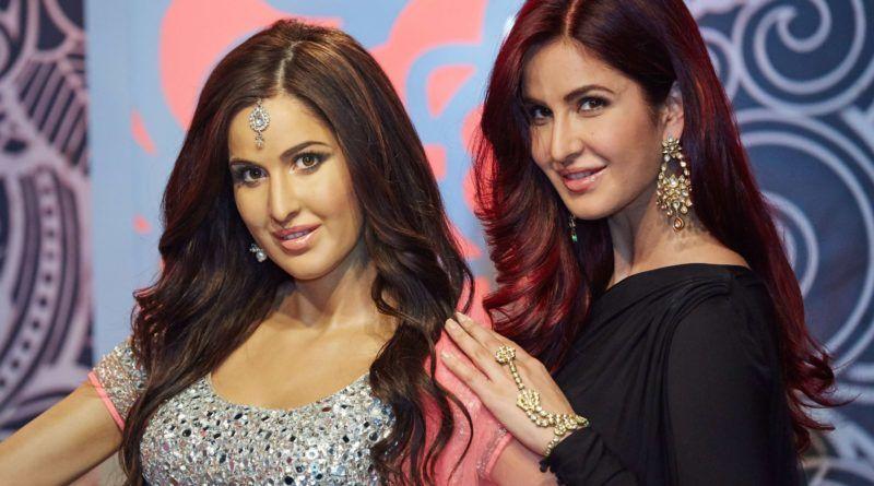 Mirip, 9 Selebriti Bollywood Ini Bersanding dengan Patung Lilin Mereka
