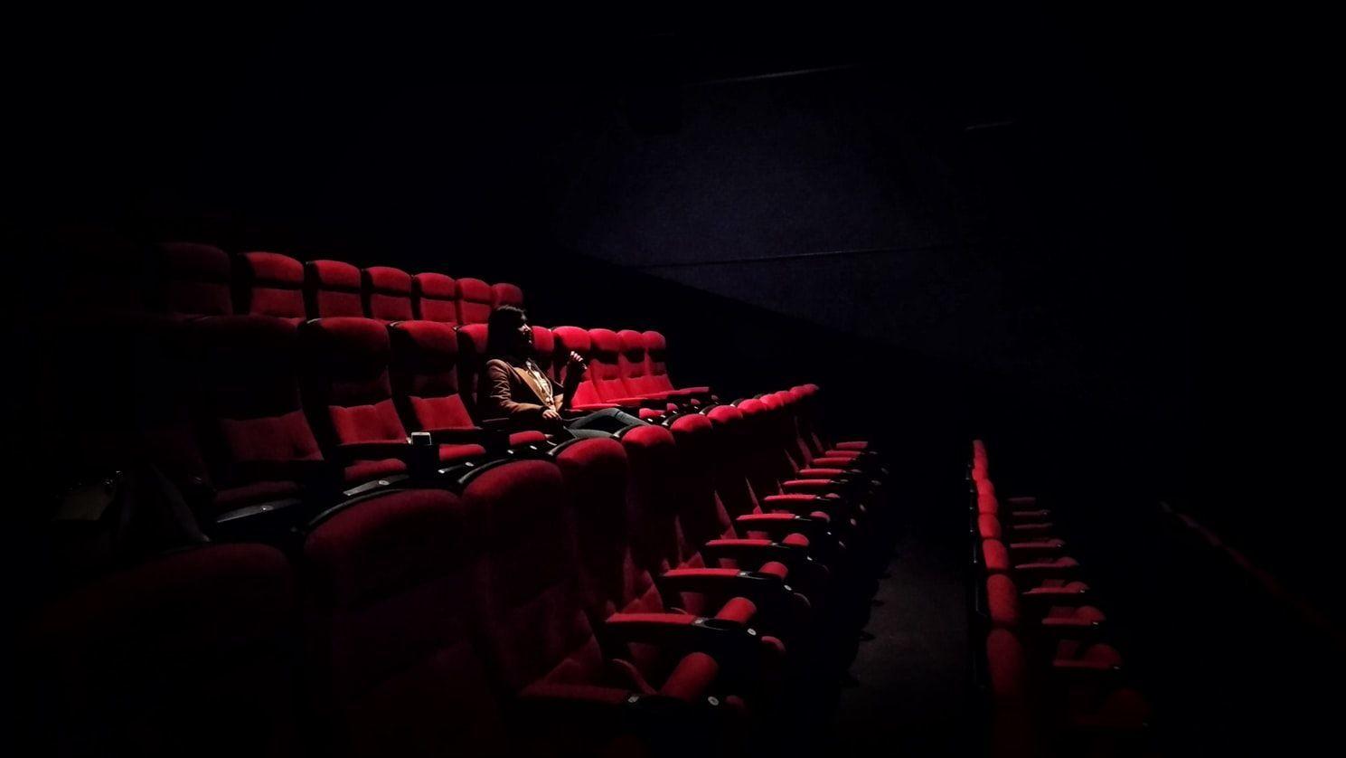 Belajar dari Syahrini, Ini Etika di Bioskop yang Sering Terlupakan