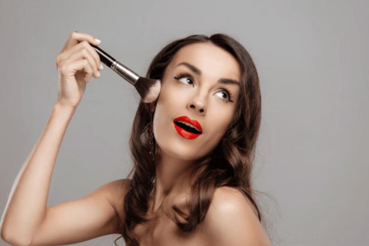 Bahaya! Inilah Efek Ketika Kamu Terlalu Sering Menggunakan Makeup