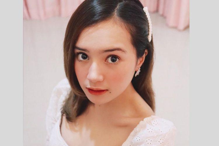 7 Potret Seleb Indonesia dengan Gaya Makeup Korea