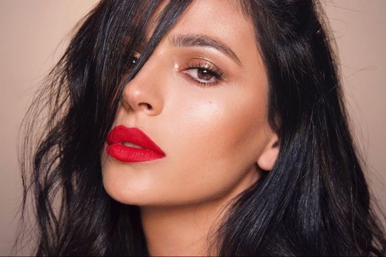 5 Trik Jitu Membeli Lipstik buatmu yang Berkulit Sawo Matang