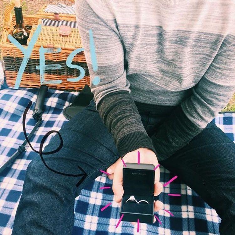 9 Ide Pengumuman Lamaran yang Kreatif, Cocok Diunggah ke Instagram