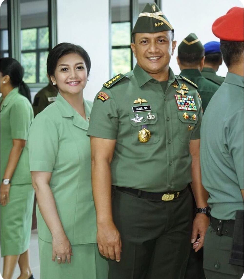 Aman Lahir Batin, Ini 7 Seleb yang Menikah dengan Tentara dan Polisi