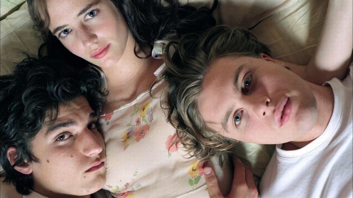 Hanya untuk 20+, 7 Film Romantis Ini Punya Banyak Adegan Erotis!