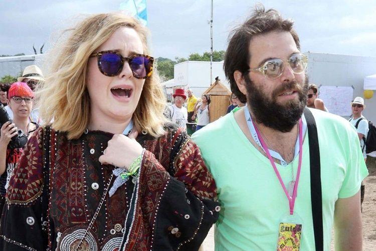 Resmi Gugat Cerai, Ini 5 Penyebab Adele dan Simon Konecki Berpisah