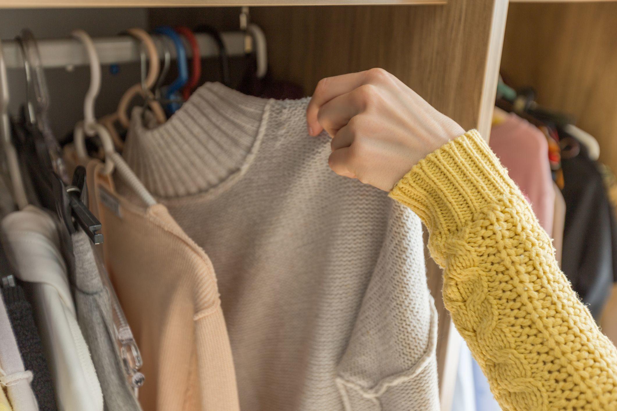 Supaya Awet, Begini Cara Merawat Sweater Wol yang Harus Kamu Tahu