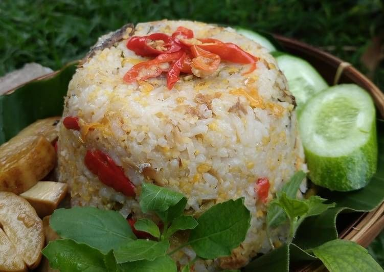5 Resep Nasi Liwet dengan Rice Cooker, Nggak Pakai Ribet-Ribet!