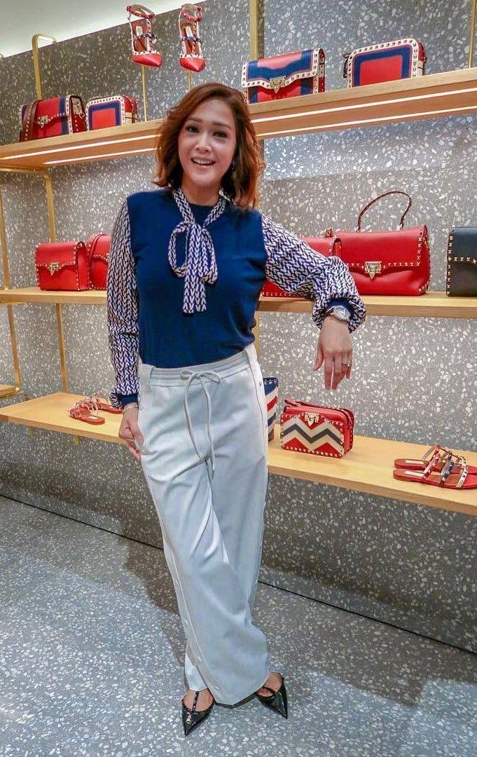Berapa Harga 1 Look ini: Maia Estianty