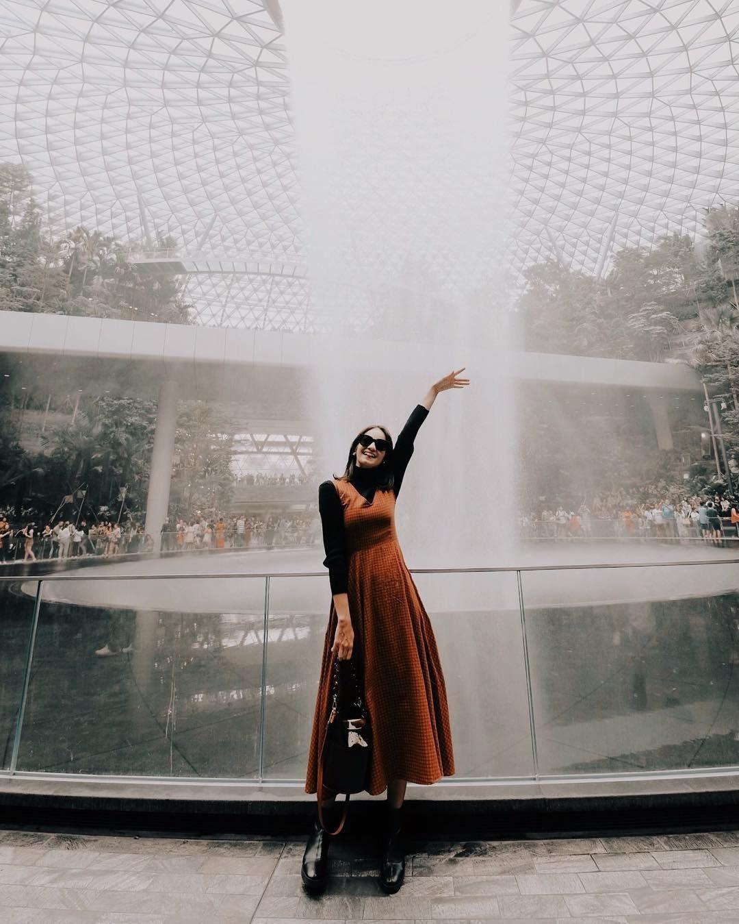 Gaya Artis Indonesia saat Jalan-jalan ke Luar Negeri, Fashion Banget!