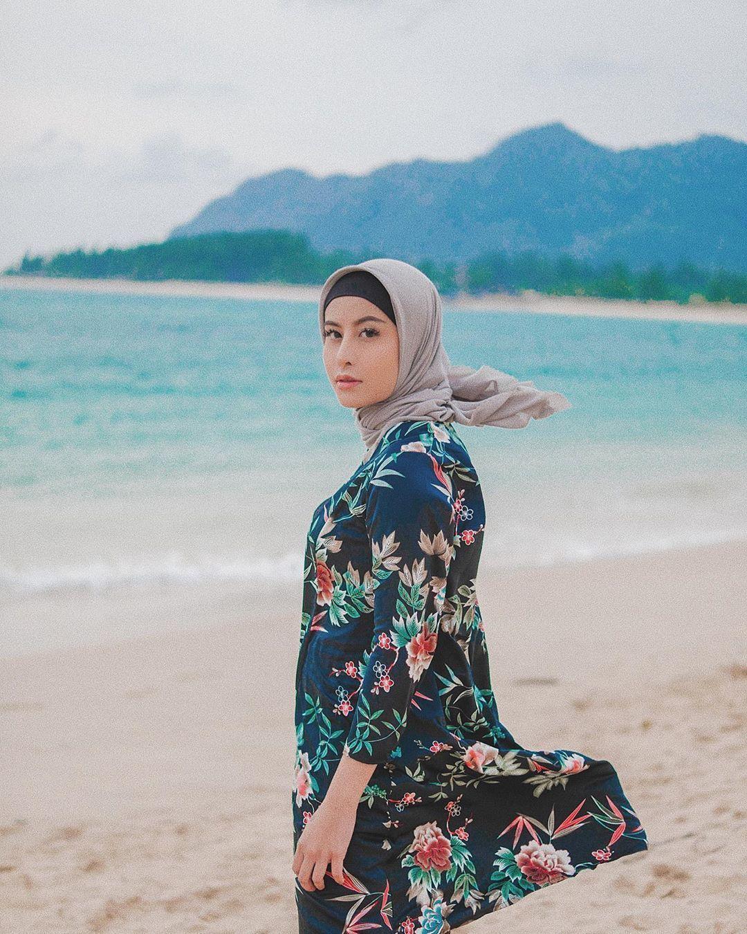 Nggak Sekadar Liburan, Ini 10 Potret Kegiatan Awkarin di Aceh