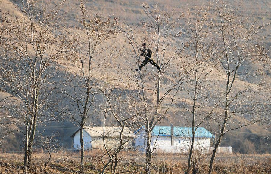 32 Foto Rahasia di Perbatasan Korea Utara yang Sukses Dikumpulkan