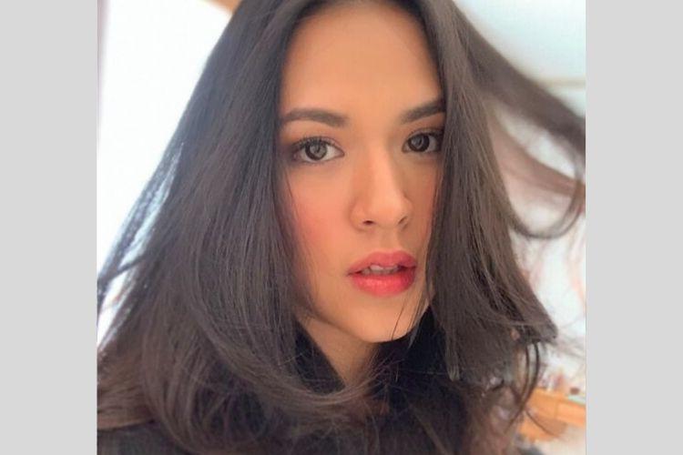 7 Artis Indonesia yang Bikin Kamu Terpukau dengan Mata Indahnya