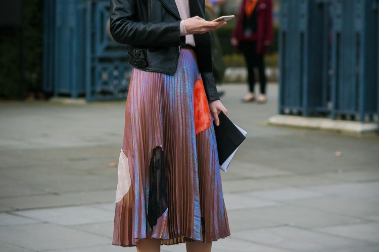 #PopbelaOOTD: Rekomendasi Pleated Skirt Terbaru untuk Gaya yang Chic