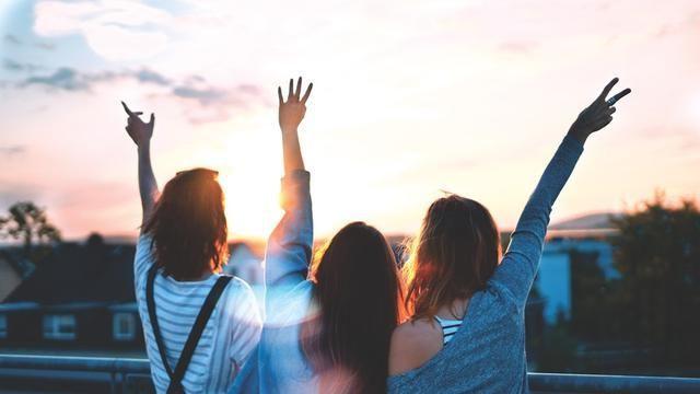 Kumpulan Puisi Perpisahan Sahabat yang Menyentuh Hati