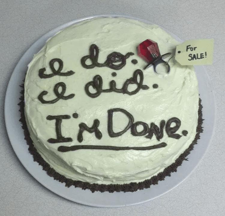 Bukan Pernikahan, 10 Kue Nyeleneh Ini Justru Melambangkan Perceraian