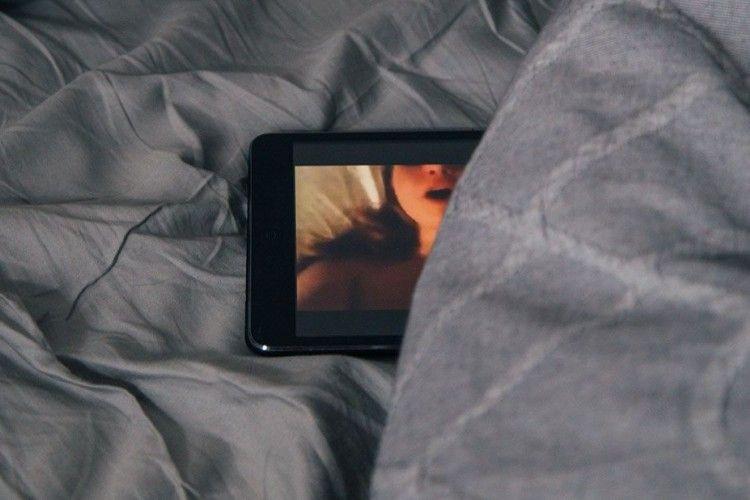 5 Cara Menghentikan Kecanduan Film Porno