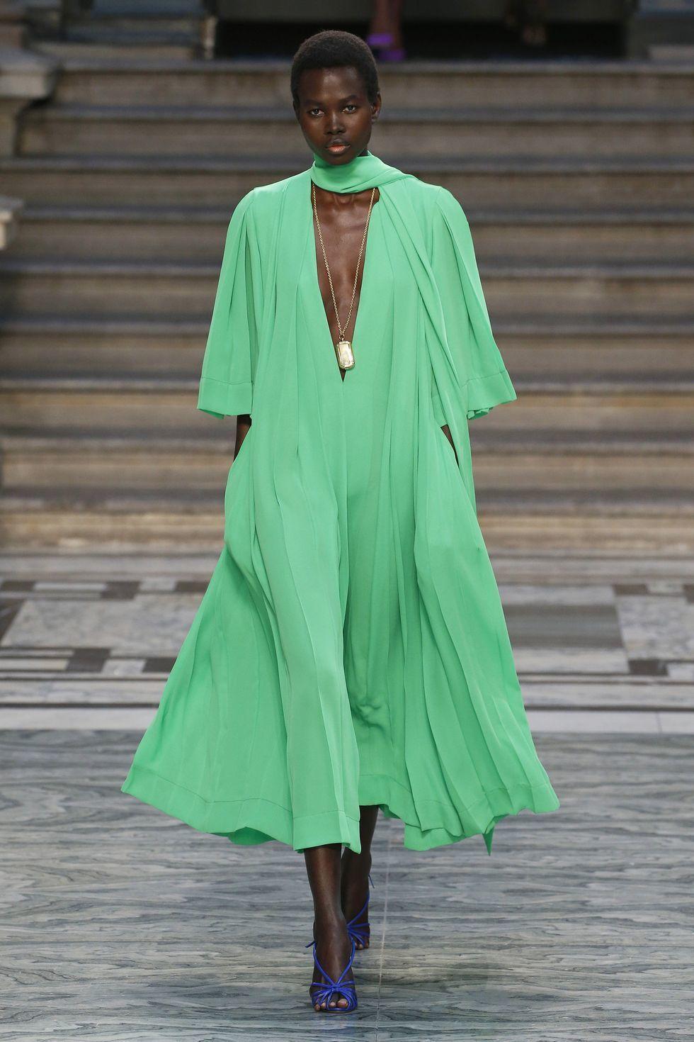 So Far... Ini Koleksi Terseru dari London Fashion Week Spring 2020