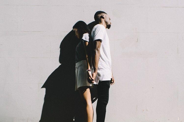 5 Hal yang Sering Membuat Laki-Laki Merasa Insecure di Depan Istri
